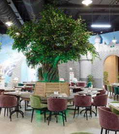 Озеленение искусственными растениями в ТЦ