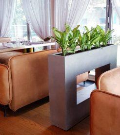 Напольное стильное кашпо от компании «LetoStudio» для ресторана